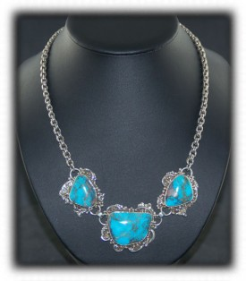 Bisbee Turquoise Necklace - three stone