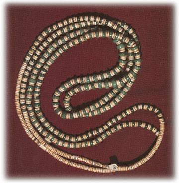 http://vintage-turquoise-jewelry.com/images/NativeAmericanJewelry/santadomingobeads01f.jpg