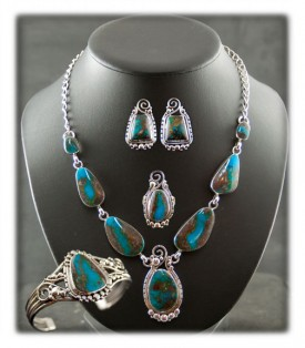 Bisbee Turquoise Bracelet, Necklace Set