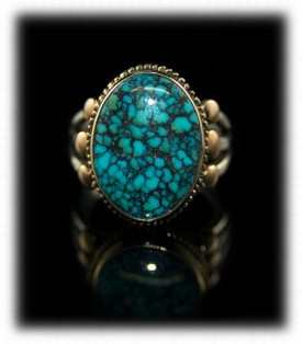 Pictured here is one of a kind ultra-rare Indian Mountain Spiderweb Turquoise Mens Gold Ring by the Hartman Family