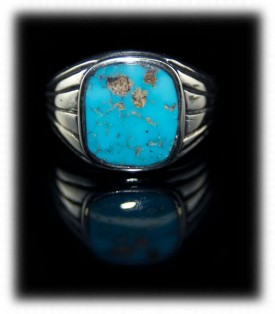 Mens Turquoise Saddle Ring with inlaid natural Villa Grove from Colorado