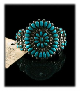 Vintage Navayo Cluster Bracelet with Villa Grove Turquoise from Colorado