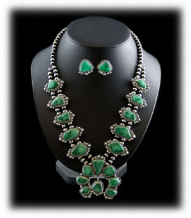 Navajo Sterling Silver Necklace - Green Turquoise
