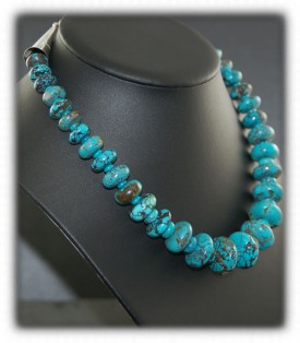 Tibetan Turquoise Bead Necklace by Nattarika Hartman
