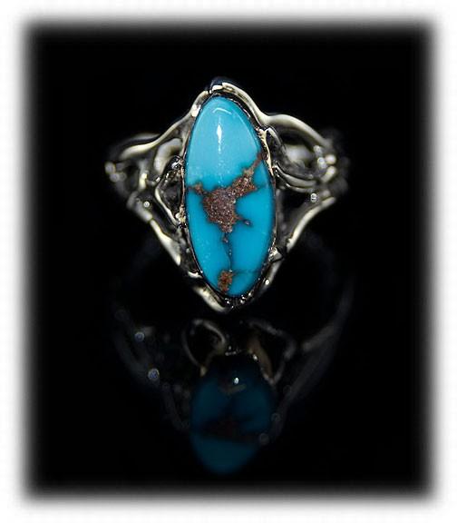 Villa Grove Turquoise in a silver ring by Nattarika Hartman