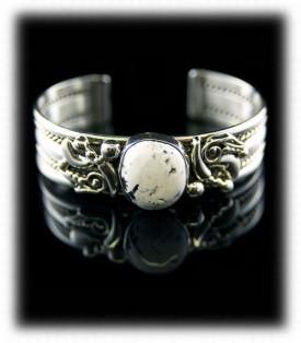Southwest White Turquoise Bracelet
