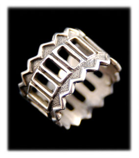 Boxwork Overlay Silver Ring Band